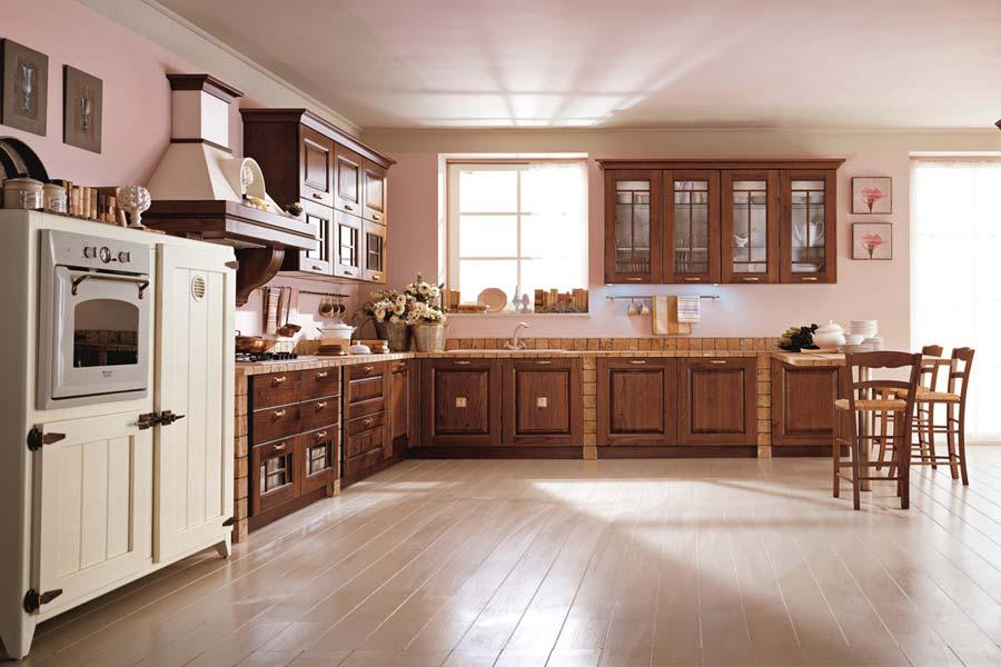 Cucine classiche arredare in uzzano soluzioni arredamento for Arredamento cucine classiche